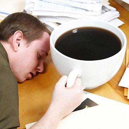 pochemu ot kofe hochetsya spat