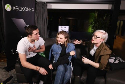 Chloe-Grace-Moretz-Brooklyn-Beckham-Xbox-Event-2017[1]